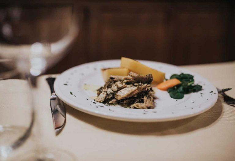 ristorante-la-cantina-luccio-in-salsa