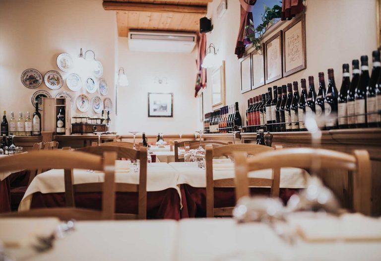 ristorante-la-cantina-vini-sala